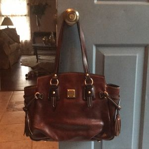 Dooney & Bourje leather shoulder bag, never used!
